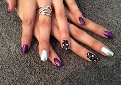 acrylic-nail-salon-in-wakefield-east-ardsley-01924-724004-shimmer-acrylic-nail-extensions