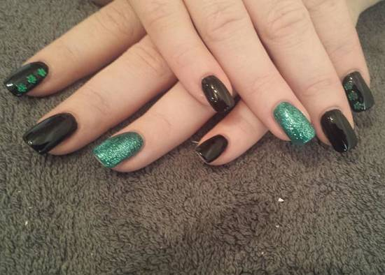acrylic-nail-salon-in-wakefield-nail-extensions-with-glitter-wf3-2ab-550