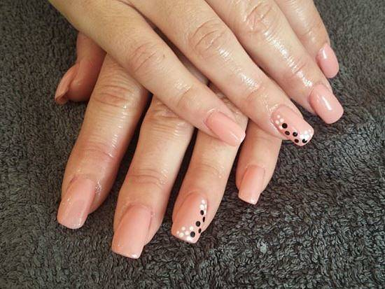 acrylic-nail-salon-in-wakefield-nail-extensions-with-nail-art-wf3-2ab-01924-724004-550